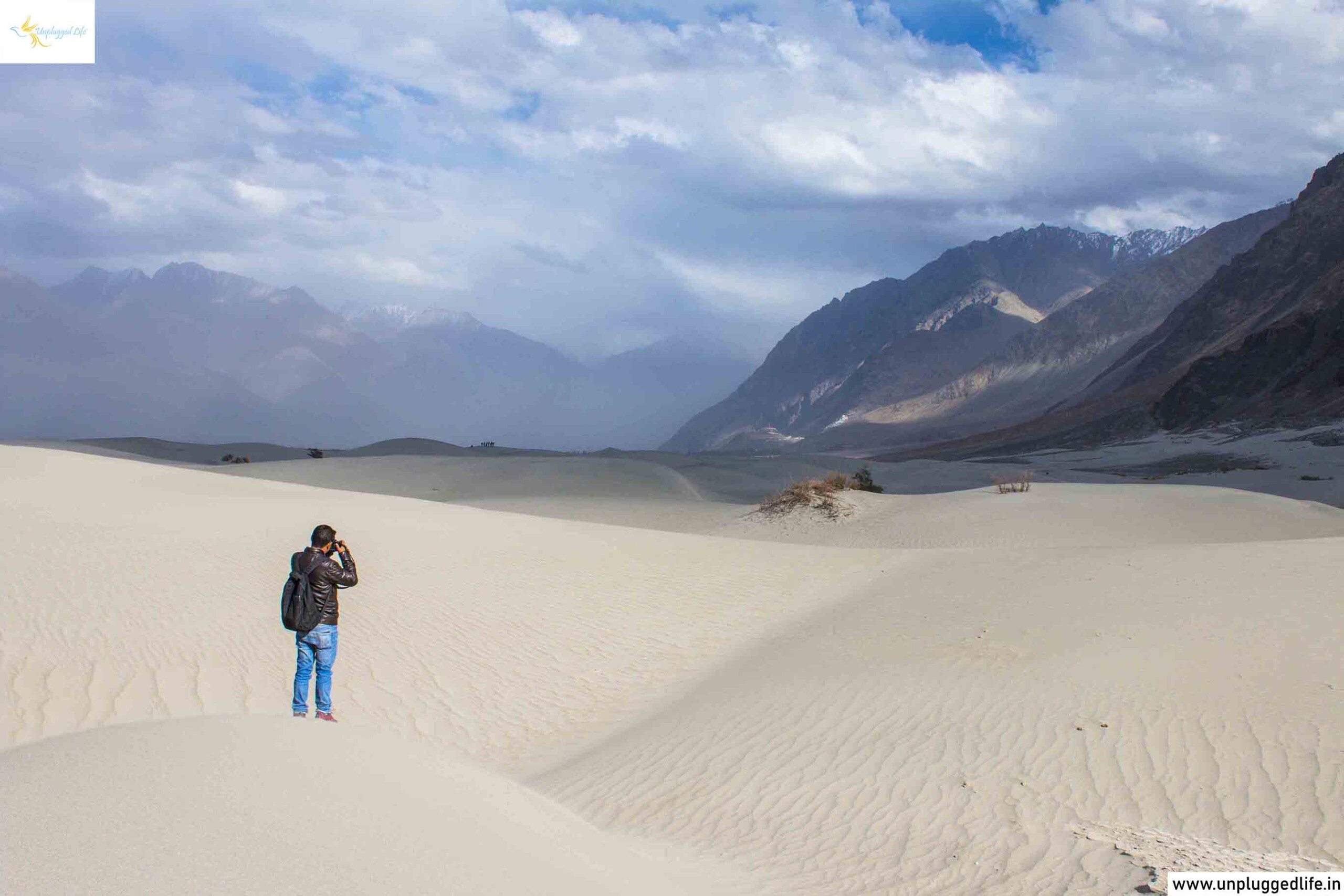 Hunder Sand Dunes, Sand Dunes in Hunder Nubra Valley, Nubra Valley Sand Dunes, Sand Dunes in Nubra Valley, Nubra Valley Desert, Desert in Hunder Nubra Valley, Ladakh, Unplugged Life, Khardung La, Khardung La Top, Leh to Nubra Valley, Nubra Valley to Leh, Landscape in Ladakh, Landscape, Mountains, Leh to Hunder, Diskit to Leh, Leh to Diskit, Ladakh Sand Dunes