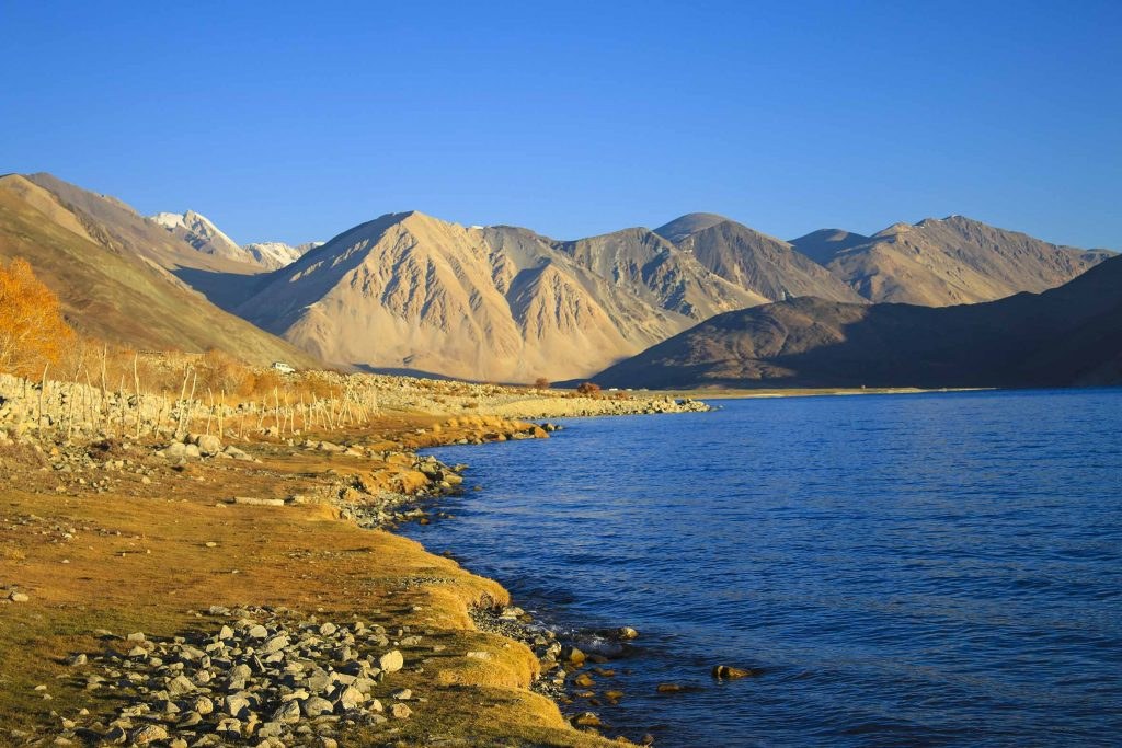 Ladakh, Unplugged Life, Highest Lakes in India, Highest Lakes in India, high altitude lake, lake, salt water lakes, lakes in Ladakh, Landscape in Ladakh, Landscape, Mountains, Pangong Lake in Autumn, Tso Pangong in Fall, Pangong Lake in Fall, Tso Pangong Lake in Autumn
