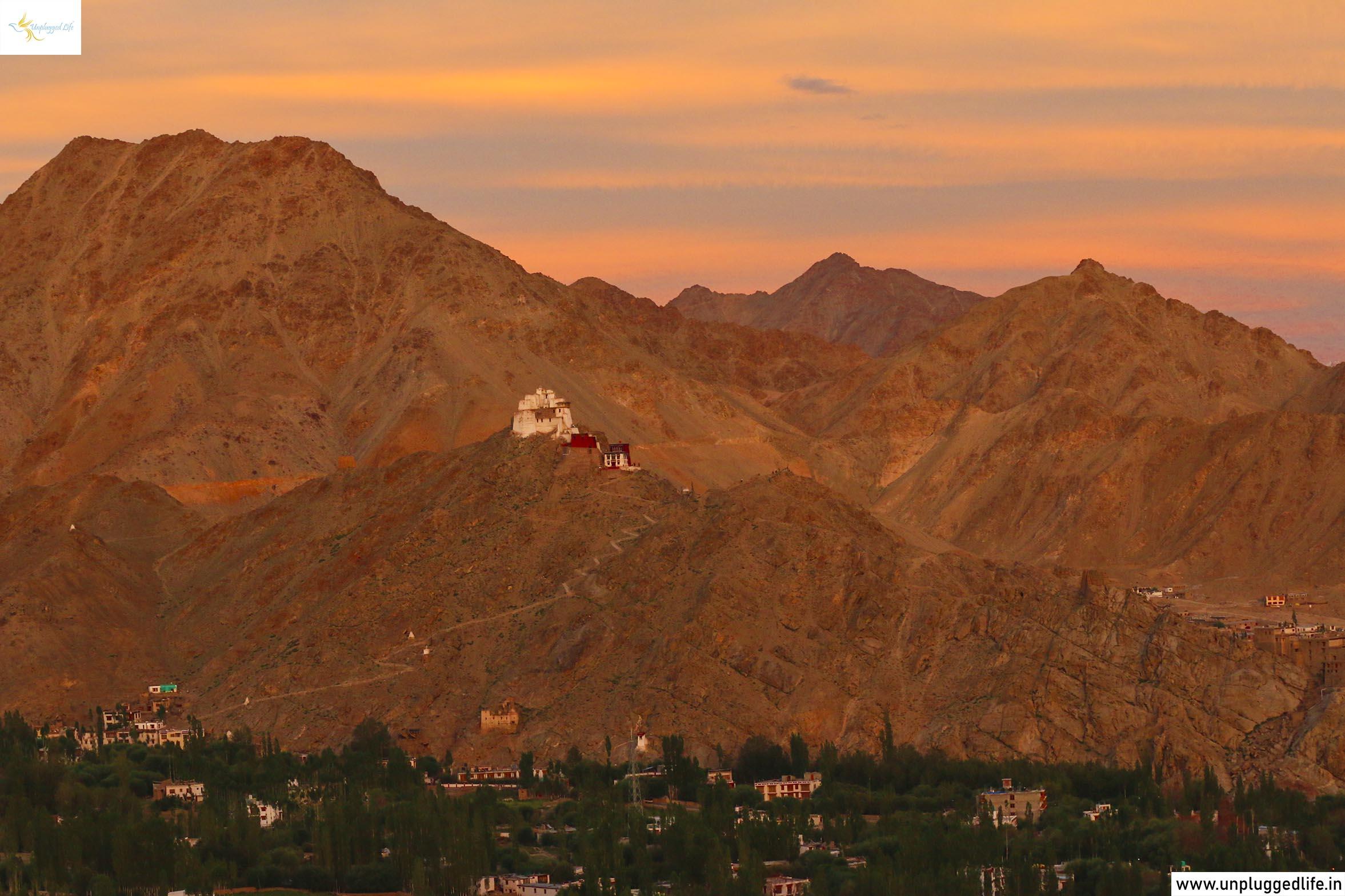 Unplugged Life, Himalayas, Ladakh, Leh View, View of Ladakh, View from Shanti Stupa, Shanti Stupa Sunset View, Sunset in Leh, Sunset in Ladakh, Namgyal Tsemo in Leh, Mountain View, Leh Ladakh Sightseeing Tour, Leh Ladakh Package, Book Ladakh Trip, Sunset Point, Best Sunsets